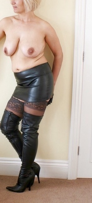 Milf Lorella amante abiti fetish
