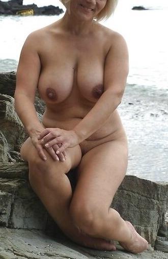Milf Lorella amante abiti fetish 2